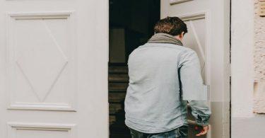 دخول بيت في المنام للعزباء