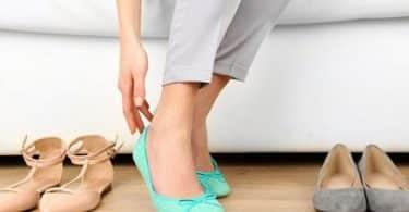 رؤية الأحذية الكثيرة في المنام للعزباء وللمتزوجة