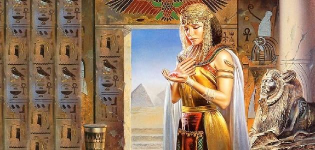 الملكة كليوباترا الفرعونية