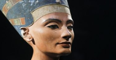 الملكة نفرتيتي حاكمة النيل