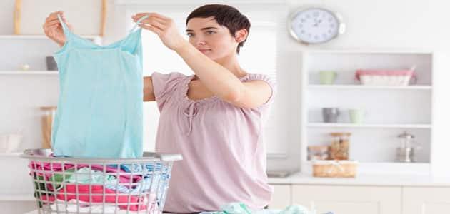 تفسير ارتداء الملابس الداخلية في المنام للعزباء