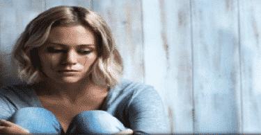 أشهر أعراض الإكتئاب وأنواعه