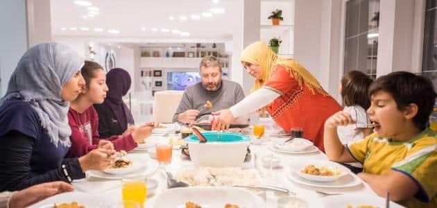 تفسير حلم تحضير الطعام للضيوف