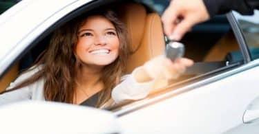 تفسير حلم شراء سيارة للعزباء وللمتزوجة وللرجل