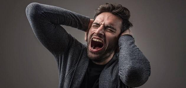 تفسير رؤية شخص غاضب مني في المنام