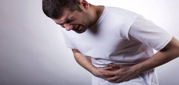 ألم في الجانب الايسر من البطن تحت الأضلاع وعلاجه