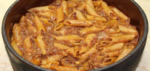 تفسير رؤية طبخ المكرونة في المنام للعزباء والمتزوجة والرجل