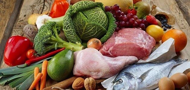 ما هي الأطعمة النيئة وكيف نحافظ عليها