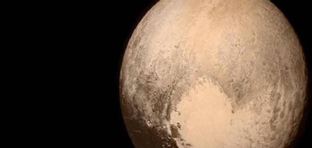 معلومات عن كوكب بلوتو وسبب تسميته واكتشافه وألقابه؟