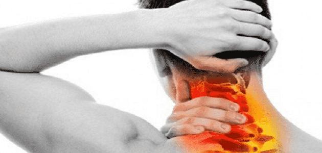 أعراض ضغط فقرات الرقبة على الأعصاب وعلاجها