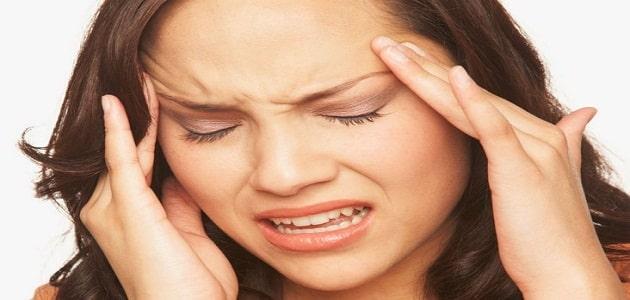 صداع فوق العين اليسرى وغثيان اسبابها وعلاجها