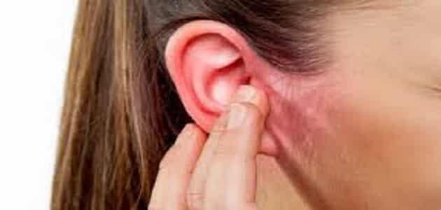 كيفية خروج الماء من الأذن بعد السباحة مقال