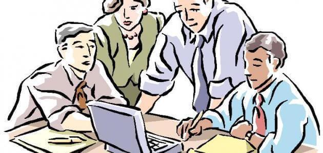 مقالا اجتماعيا في أي قضية من قضايا العمل