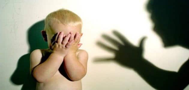 تفسير رؤية حلم ضرب الطفل في المنام.. تعرف على أشهر التأويلات